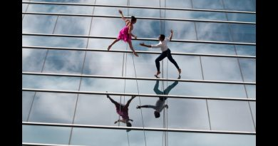 Bandaloop Vertical Dancers in Americas Musical Journey